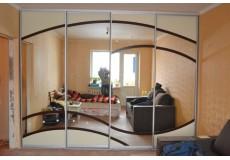 Шкаф с художественной покраской зеркала