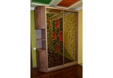 Шкаф с художественной покраской золотом